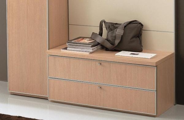 Arredamento arredamento mobili da ingresso in legno for Arredo ingresso moderno