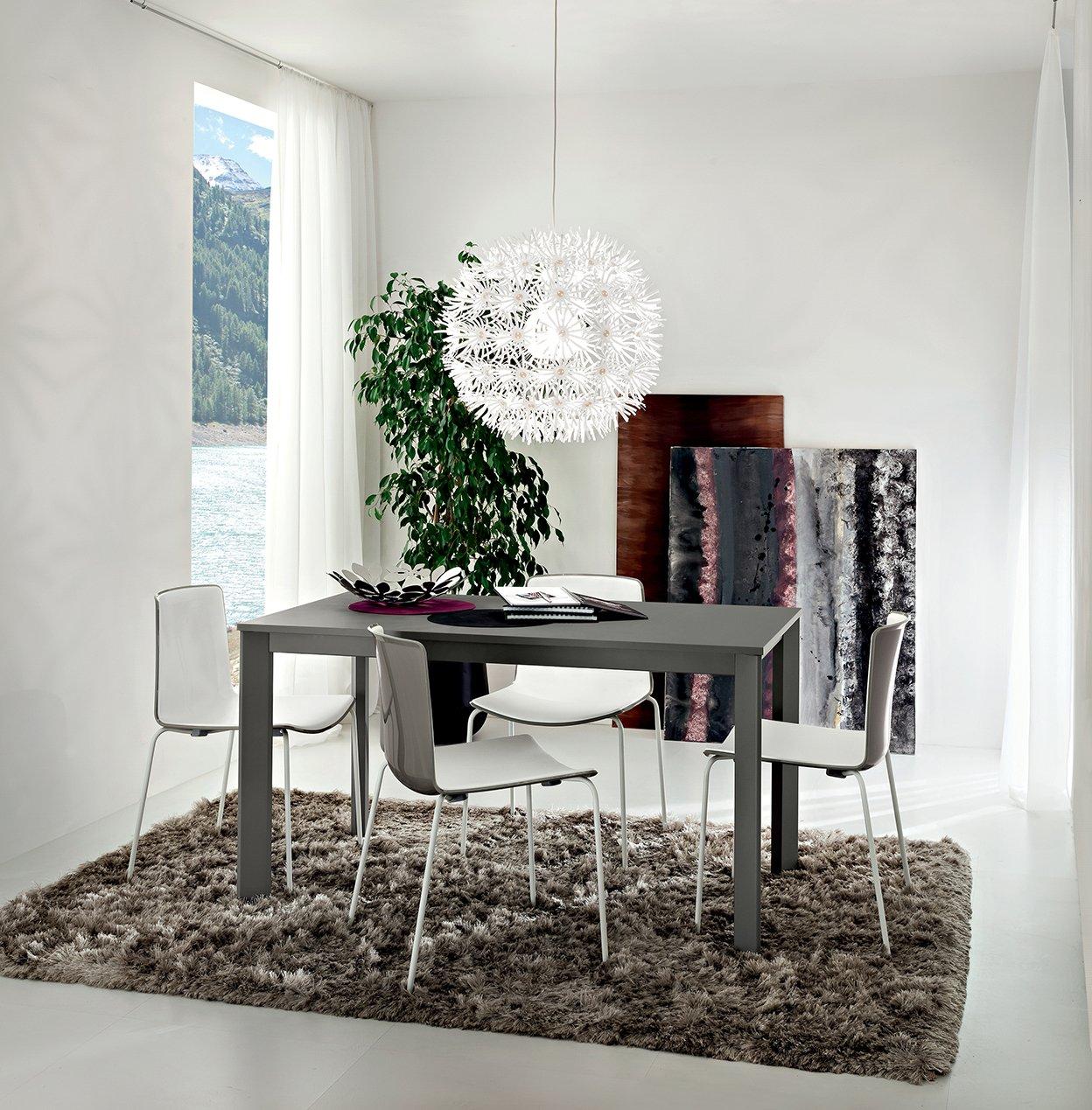 Tavoli Eleganti Sala Da Pranzo sala da pranzo. tavolo mario. tavolo in legno con gambe in metallo