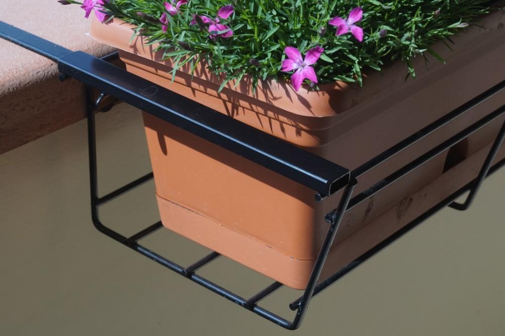 Balconiera eurogarden in ferro regolabile vendita on line for Portavasi da balcone regolabili