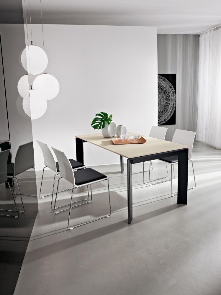 Tavoli soggiorno in legno immagini ispirazione sul for Mobili soggiorno legno