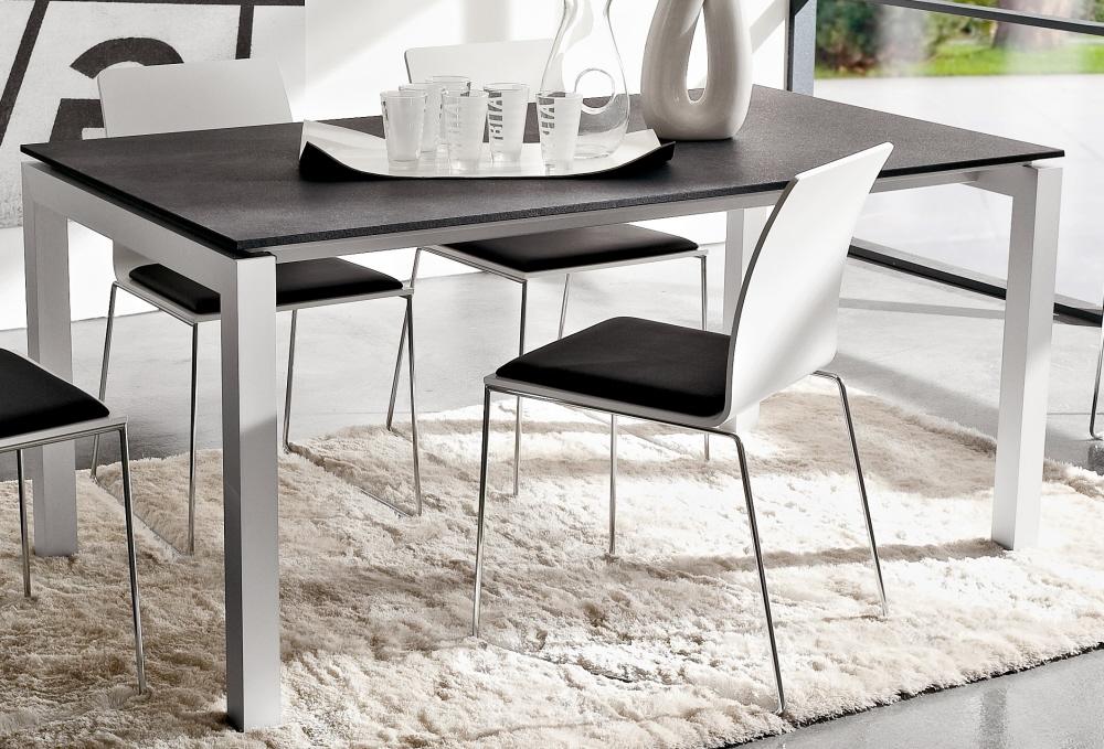 Tavolo da pranzo con piano in legno. Tavolo Luca 90 \