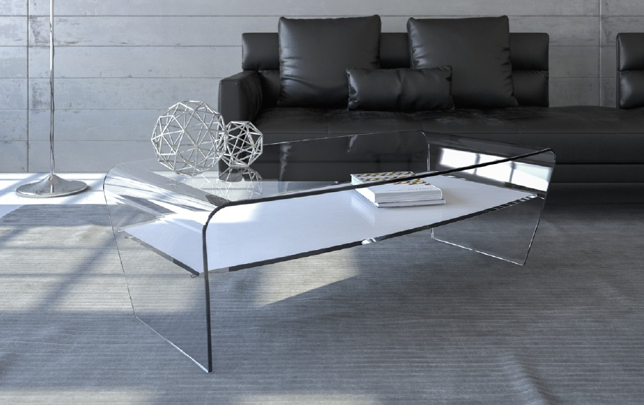Tavolo in vetro da salotto. Sagomato con gambe oblique e Ripiano