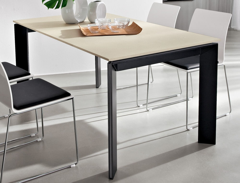 Tavoli da soggiorno in legno moderni tavolo soggiorno cucina for Tavoli da soggiorno