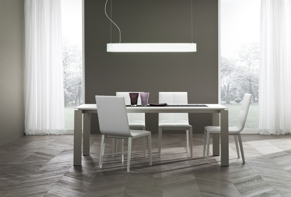 Tavoli soggiorno moderni allungabili amazing basic tavolo for Tavoli da pranzo moderni allungabili