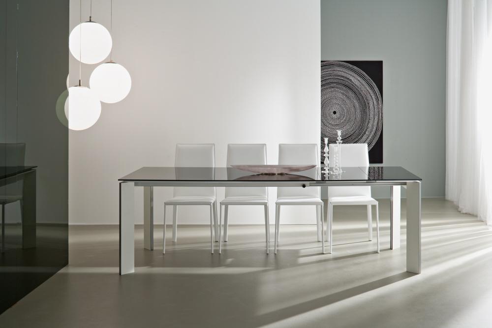 Tavoli allungabili moderni con base legno piani vetro legno - Table moderne en verre ...
