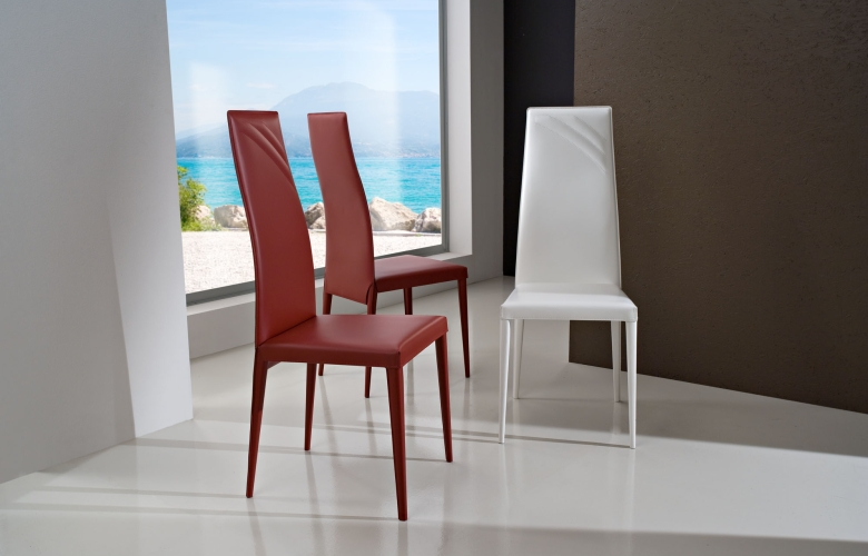 Arredamento sedie soggiorno arredamento sedie per for Sedie ecopelle colorate