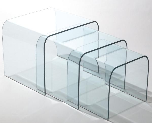 Arredamento moderno classico tavolini tris sagomati for Tavolini in legno e vetro