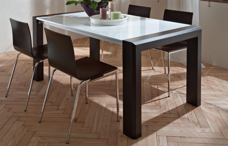 Tavolo ovale ikea idee di design nella vostra casa for Tavolo tondo allungabile moderno