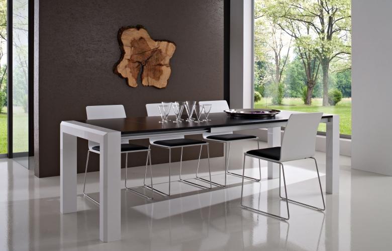 Tavoli allungabili moderni con base legno piani vetro legno for Aggiungere piani casa