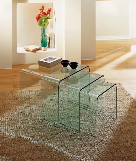 Arredamento moderno classico tavolini tris sagomati for Tavolini vetro